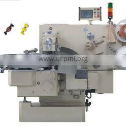 Double twist packing machine