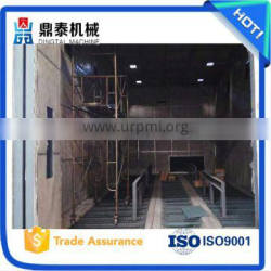 Compact structure sand blasting room, used in processing complicated workpieces