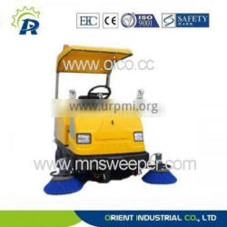 cleaning companies first choice outdoor use ride on asphalt road sweeper with vacuum sweeping and water spraying