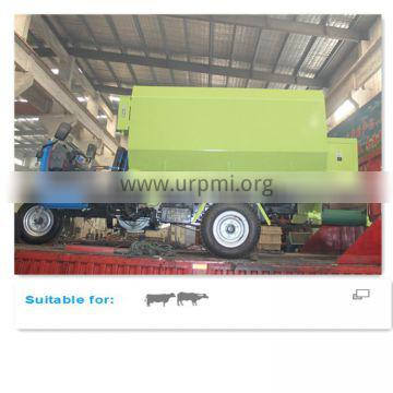 Dairy Cow Farm Feed Spreader with Tricycle